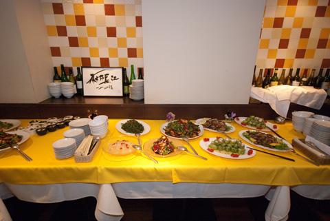 テーブルにもお料理がスタンバイOKです。